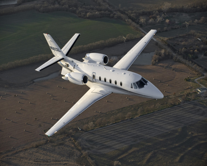 Midsize jets for charter hire